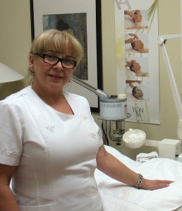 Sunbelt business broker Michael Mcculloch helped Alicja Krzyzowzka find the right buyer for her skin care salon.